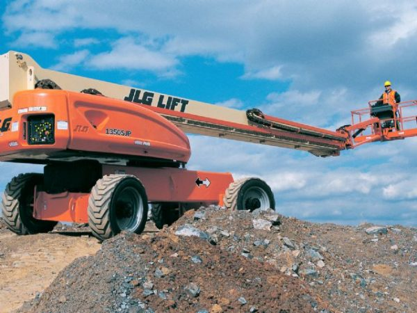 JLG-1350SJP